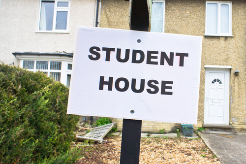 Sign advertising a student house for rent in the UK